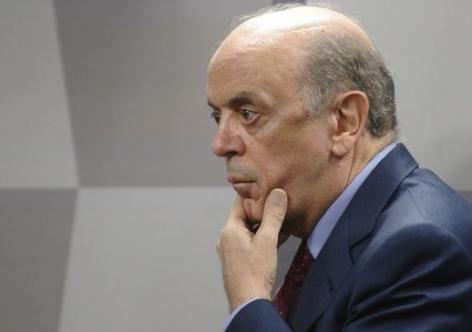 Senador José Serra é denunciado por lavagem de dinheiro - Vermelho